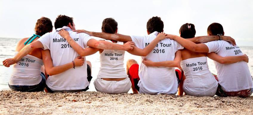 Gruppenshirts für den Ausflug oder den Verein auf www.bandyshirt.com selbst gestalten.
